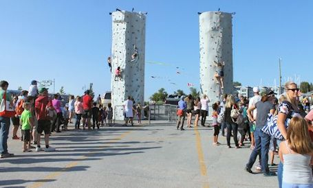 Sunshine greets thousands at 14th annual Bruce Power Beach Party in Kincardine